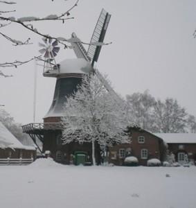 Mühle im Winter von Gerhart Krutschinna